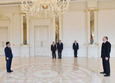 Президент принял верительные грамоты новоназначенного посла ФОТО