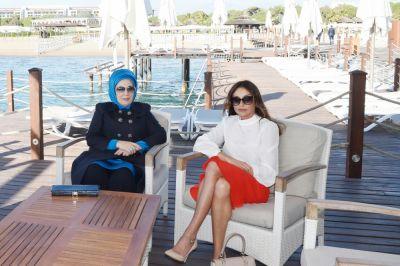 В Анталье состоялась встреча первых леди Азербайджана и Турции