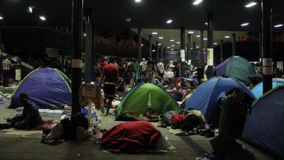 Швеция приняла за неделю более 10 тысяч беженцев
