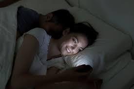 Ученые советуют не пользоваться смартфонами и планшетами перед сном