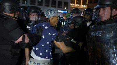 В США расстреляли участников демонстрации против полицейского произвола