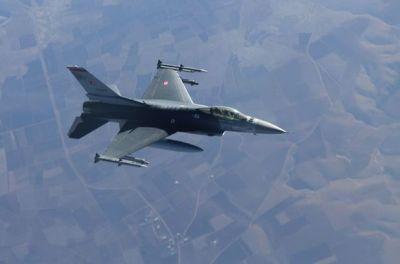 Havaya 18 F-16 təyyarəsi qaldırıldı - MÜHARİBƏ?