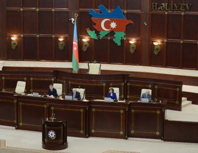 Mill Mejlis begins plenary session