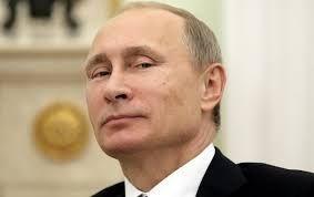 Путин вновь сократил себе зарплату