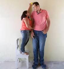 Установлена связь между ростом мужа и счастьем жены