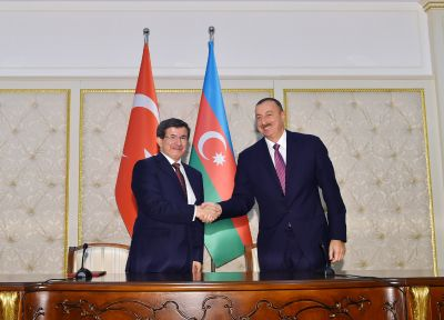 President Ilham Aliyev and Davutoglu held an expanded meeting