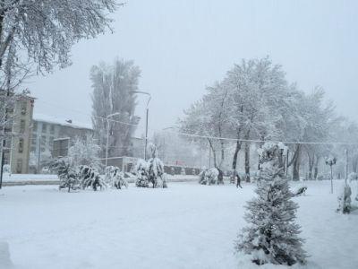 Высота снежного покрова в Хыналыге составила 59 см
