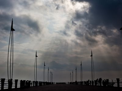 В Баку сильный ветер начнет стихать