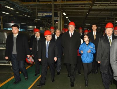 Azerbaijani President visited Shaanxi Automobile Group in Xian PHOTOS