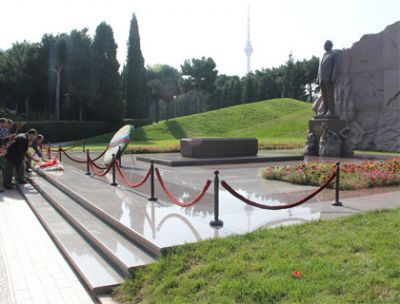 NAP leadership pays respect Azerbaijani National Leader