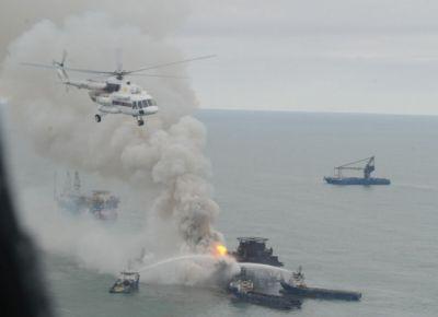 """""""Поиски пропавших нефтяников продолжаются"""""""