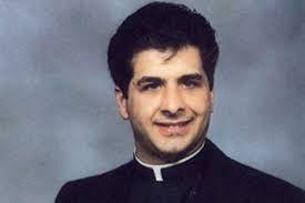 В США священника уличили в растрате пожертвований на услуги гея-садомазохиста