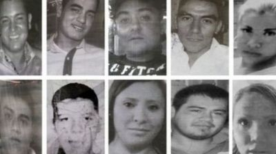 Two jailed over Mexico bar murders