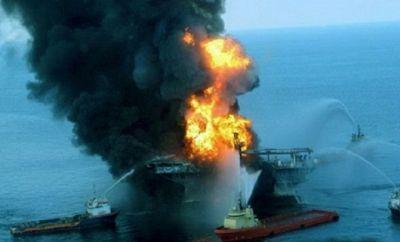 Так тушили пожар на нефтяных скважинах