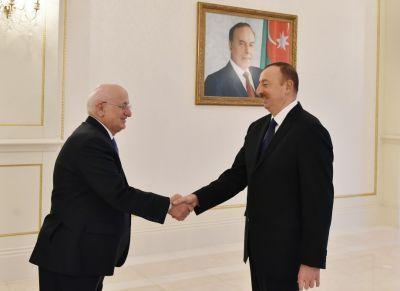 Ильхам Алиев принял Исмаила Кахрамана ФОТОГРАФИИ