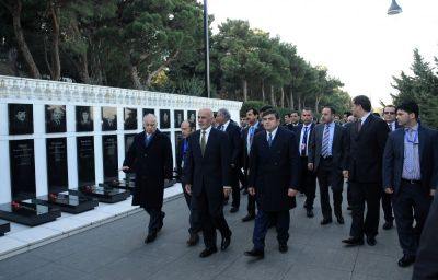 President of Afghanistan visits Alley of Martyrs