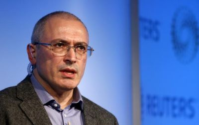 Russian court orders arrest of Khodorkovsky