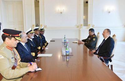 Президент Азербайджана принял командующего ВМС Пакистана
