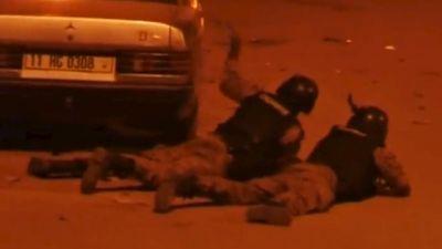 Из захваченного отеля в Буркина-Фасо освобождены более 60 заложников