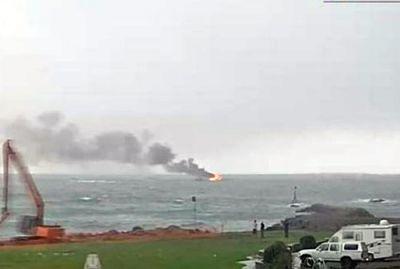 У берегов Новой Зеландии загорелось пассажирское судно