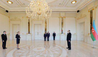 Президент принял верительные грамоты посла Швеции