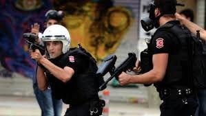 Подозреваемые в вербовке боевиков для ИГ задержаны в Турции