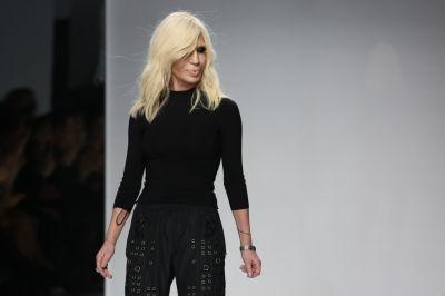 Топ-модели представили кутюрную коллекцию Versace ФОТО