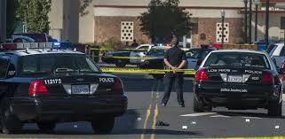 На праздничном параде в США неизвестные открыли стрельбу двое убиты, четверо ранены