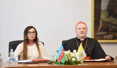 Первая леди Азербайджана Мехрибан Алиева в Ватикане