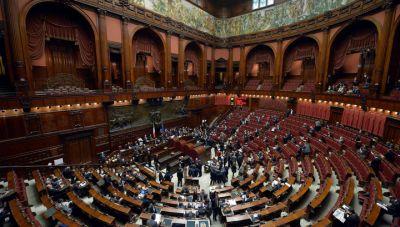 Сенат Италии одобрил закон об однополых союзах