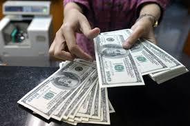 Госнефтефонд продал банкам 100 млн. долларов