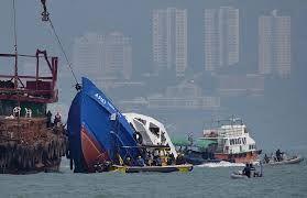 ЧП в Бангкоке десятки людей пострадали при взрыве на лодке