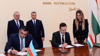 Визит венгерской делегации в Баку широко освещается СМИ Венгрии