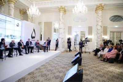 Гендерные проблемы и права женщин были обсуждены на Бакинском форуме
