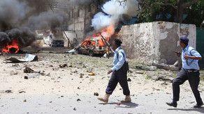 В Сомали смертник подорвал себя у отеля, девять человек погибли