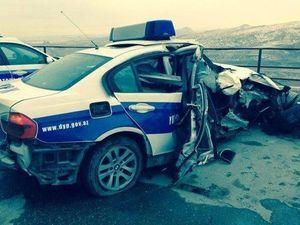 В Хырдалане грузовик врезался в полицейский автомобиль