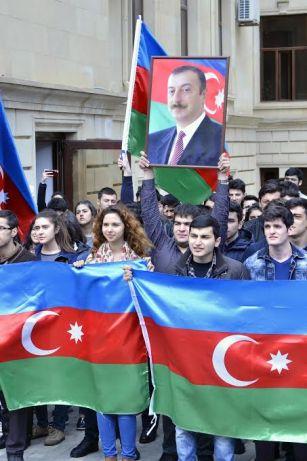 В Бакинской Высшей Школе Нефти проведена акция в поддержку армии