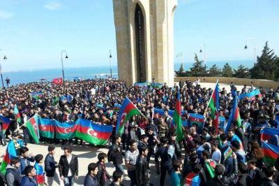 Акция азербайджанской молодежи: «Шехиды бессмертны, Родина неделима!»