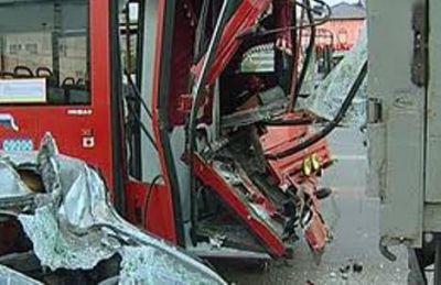 Bakı-Sumqayıt avtobusunda ağır qəza: ölən və yaralananlar var