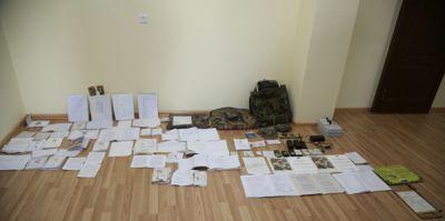 Захвачены принадлежащие армянским военнослужащим документы и средства связи