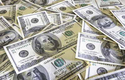 Центробанк установил курс доллара на 18 апреля
