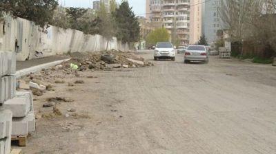 В Баку ремонтируется одна из улиц