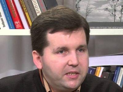 В Киеве известный политолог погиб при падении с девятого этажа