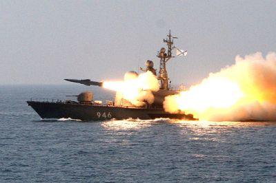Более 20 российских военных кораблей начали учения на Каспии
