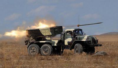 Армяне начали обстрел из реактивной системы залпового огня БМ-21