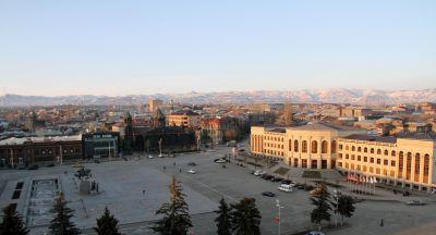 «Жоховурд»: Дети армянских чиновников убегают за границу из-за угрозы войны в Карабахе