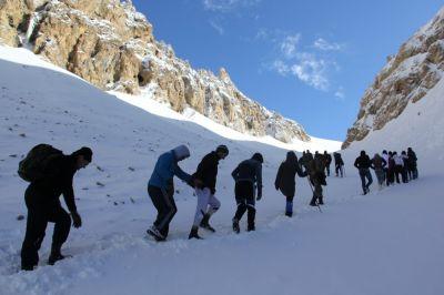 Азербайджанские альпинисты совершили восхождение на пик Гейдара