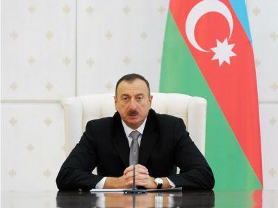 Ильхам Алиев обсудил Карабах с почетным главой ПАСЕ