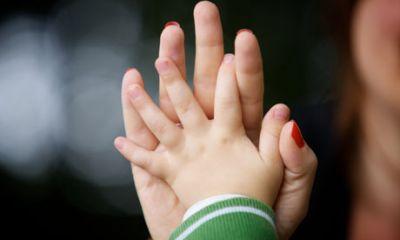 Родителям-одиночкам сократили рабочие часы