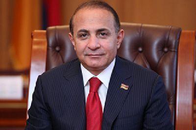 Абрамян уволил троих своих замов